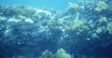 I resti sommersi dell'antichissimo porto di Bivona