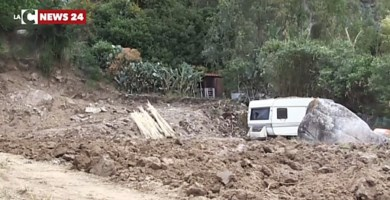 Nel Vibonese per pulire un terreno devastano il lungomare: indaga la Capitaneria