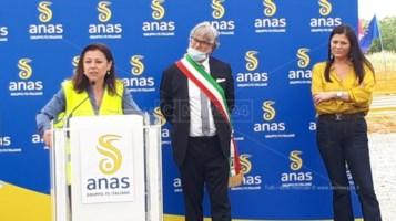 Terzo Megalotto statale 106, il ministro De Micheli in Calabria per l'avvio dei lavori