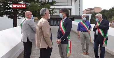 Rifiuti in Calabria, la protesta di Falcomatà si trasforma in un mezzo flop