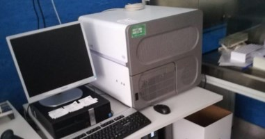 All'ospedale di Lamezia attrezzature per fare tamponi chiuse in un laboratorio