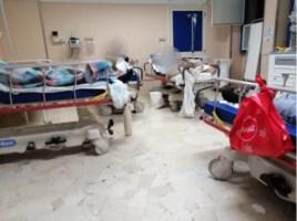 I pazienti stipati nella sala del pronto soccorso all'ospedale di Locri