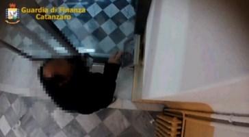 Furbetti del cartellino all'Asp e all'ospedale Pugliese di Catanzaro: 57 indagati - I nomi