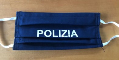 Le mascherine donate ai poliziotti