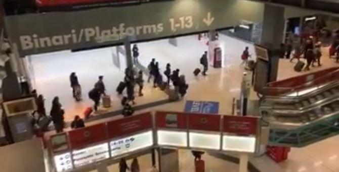 Immagini dalla stazione di Milano in queste ore