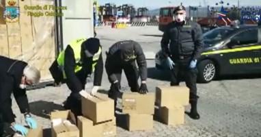Requisite 19 tonnellate di materiale medico al porto di Gioia Tauro