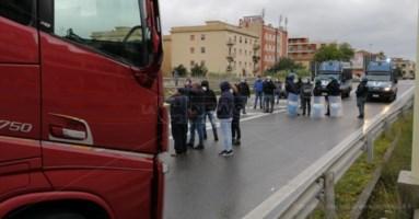 Tensione all'imbarco dei traghetti a Villa San Giovanni, bloccate 80 persone
