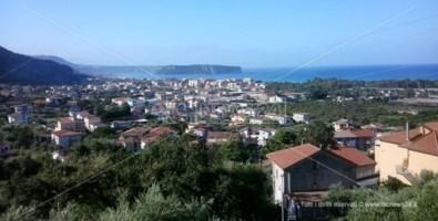 Coronavirus, chiusa anche Praia a Mare: strade bloccate da barriere di cemento