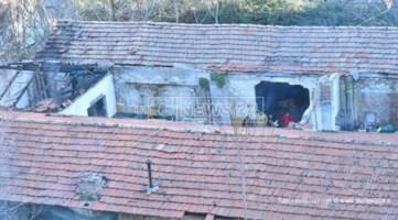 Cosenza, la Polizia locale sgombera degli abusivi da un rudere in centro
