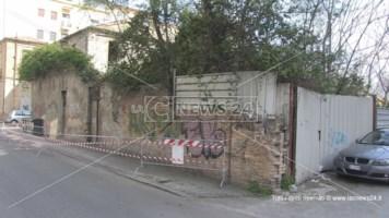 Rudere occupato a Cosenza, Occhiuto: «Devono intervenire i proprietari»
