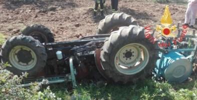 Lamezia Terme, un 40 enne muore schiacciato da un trattore
