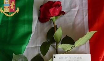 La rosa donata alla Questura di Vibo