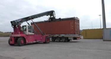 Porto di Gioia, non si vive di soli container: il grido delle aziende dell'indotto