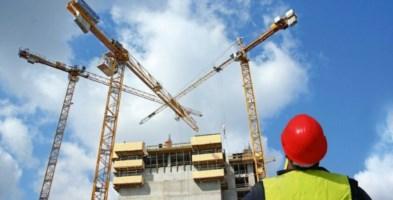 Catanzaro, l'appello del settore edile: «Stop ai lavori nei cantieri»