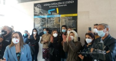 La protesta all'Ao di Cosenza