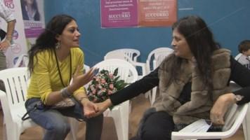 Jole Santelli con Rosaria Succurro poco dopo l'esito del voto a San Giovanni in Fiore