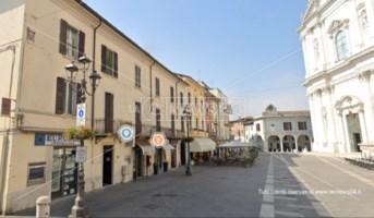 La piazza dove hanno sede le coop. di Fazzolari e Ursida
