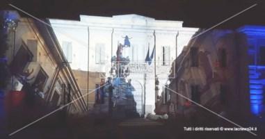 Il municipio diventa schermo