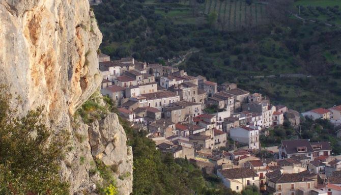Civita, foto dalla pagina fb del Comune