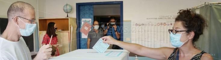 Referendum ed elezioni comunali in Calabria: alle 19 l'affluenza si ferma al 22,8% e 33,8%
