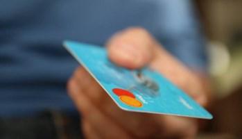 Immagine di repertorio di una carta di credito da pixabay