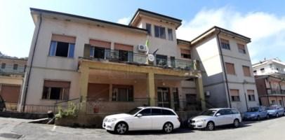 Inchiesta Alibante, a Nocera finisce l'era Albi: sindaco e Consiglio si dimettono