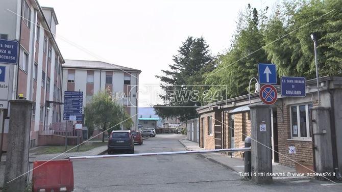 L'ospedale di Rogliano dove si è registrato uno dei decessi