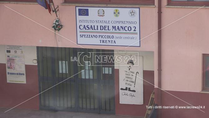 La scuola della frazione Spezzano Piccolo di Casali del Manco