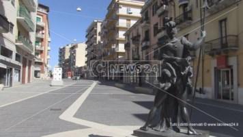 Una delle statue del Mab a Cosenza