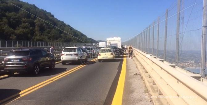 La coda in autostrada causata dall'incidente