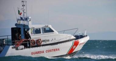 Reggio Calabria, senzatetto si tuffa in mare e muore poco dopo