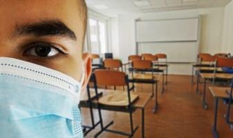 Banchi, mascherine e gestione dei contagi: tutte le novità sulla scuola