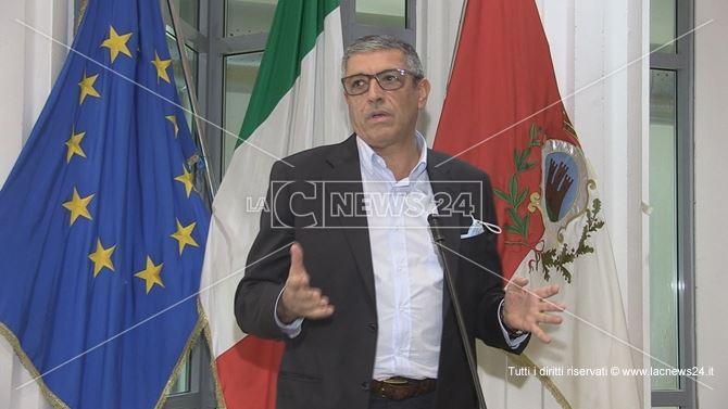 Il sindaco di Cassano Gianni Papasso