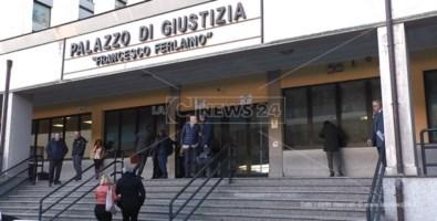 'Ndrangheta, accordo tra boss e giudice: rito abbreviato per tre persone