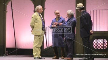 L'attore Geppy Gleijeses al Rendano: «Riportate la lirica in questo teatro»