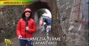 I riflettori di Striscia la notizia sul campo rom di Lamezia Terme