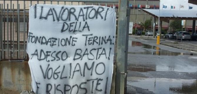 Protesta lavoratori Fondazione Terina