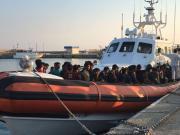 In 80 sbarcati a Roccella dopo 5 giorni e 6 notti in mare - VIDEO