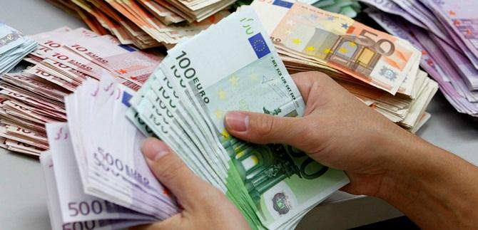 Mazzi di banconote