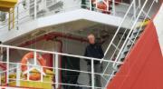 'Mare nostro che non sei nei cieli', Erri De Luca sbarca a Reggio con i migranti