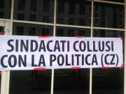Mobilità in deroga, la protesta dei lavoratori alla Cittadella FOTO e VIDEO